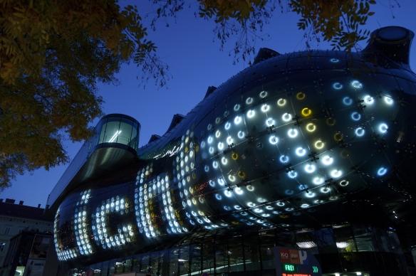 Kunsthaus Graz,BIX-Medien Fassade Foto: Zepp-Cam.