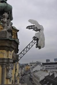 """NIKE die Nachbildung der antiken Siegesgöttin """"Nike von Samothrake"""" /Foto: Christa Linossi"""