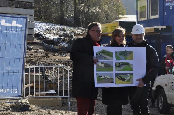 Foto: Christa Linossi /Landesrat Heinrich Schellhorn, Direktorin Sabine Breitwieser und Architekt Eric Auffarth